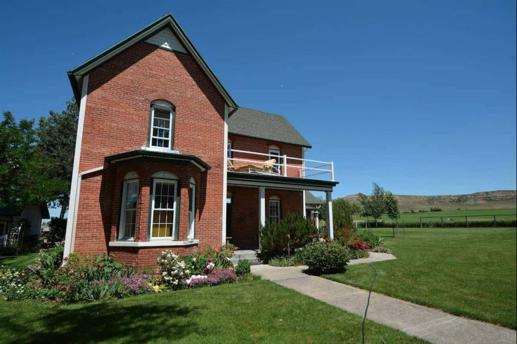 Historic Farmhouse Restored by our Couchsurfing Host in Sheridan Wyoming